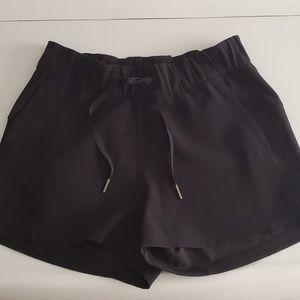Lululemon On The Fly Shorts - Woven
